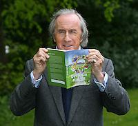 Sir Jackie drives Dyslexia Scotland