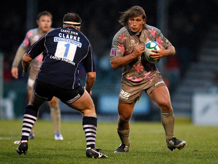Photo: Richard Lane/Richard Lane Photography..Bristol Rugby v Stade Francais. Heineken Cup. 18/11/2007. .Stade's Dimitri Szarzewski attacks.