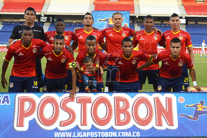 BARRANQUILLA - COLOMBIA -18-02-2014: Los jugadores de Universidad Autonoma posan para una foto durante partido de la sexta fecha de la Liga Postobon I 2014, jugado en el estadio Metropolitano Roberto Melendez de la ciudad de Barranquilla. / The players of Universidad Autonoma pose for a photo during a match for the sixth date of the Liga Postobon I 2014 at the Metropolitano Roberto Melendez stadium in Barranquilla city. Photo: VizzorImage  / Alfonso Cervantes / Str.