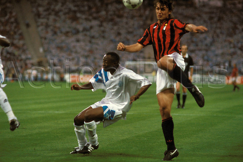 26.05.1993 Marseille v AC Milan in the European Cup Final. Picture shows Paolo Maldini against Abedi Pele. Abedi Pele was awarded man of the match in for the game.