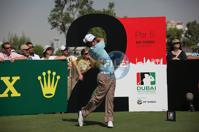Dubai World Championship Golf. Earth Course,.Jumeirah Golf Estate, Dubai, U.A.E...Rory McIlroy teeing off from the second during the first round of the Dubai World Golf championship..Photo: Fran Caffrey/www.golffile.ie...