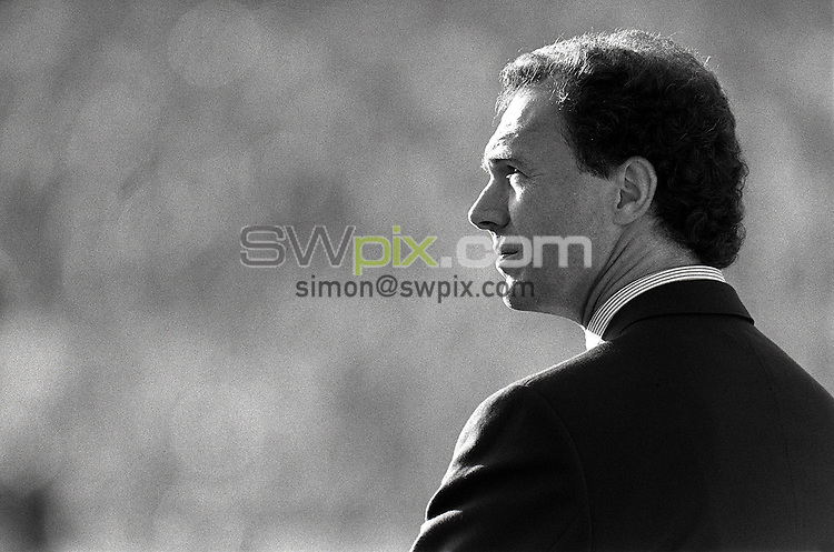 Pix:Michael Steele/SWpix...International Soccer. Franz Beckenbaur, Hamburg, 1988...COPYRIGHT PICTURE>>SIMON WILKINSON..Franz Beckenbaur, Hamburg.