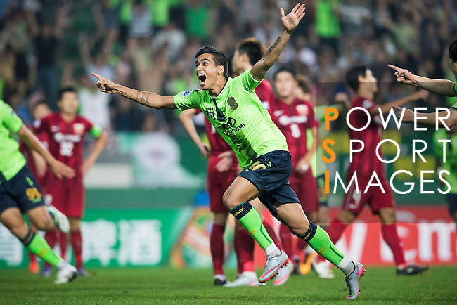 Jeonbuk Hyundai Motors FC (KOR) midfielder Leonardo Rodrigues Pereira celebrates after scoring against Shanghai SIPG (CHN) during their AFC Champions League Quarter Finals match at Jeonju World Cup Stadium on 13 September 2016, in Jeonju, South Korea. Photo by Victor Fraile / Power Sport Images