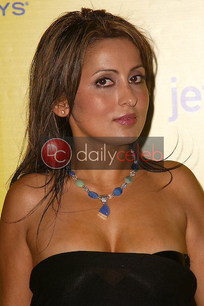 Bella Kally<br /> at the launch of Jet Blue out of Burbank and 25th anniversary screening of &quot;Airplane&quot; at Warner Bros. Studios, Burbank, CA 06-13-05<br /> David Edwards/DailyCeleb.Com 818-249-4998