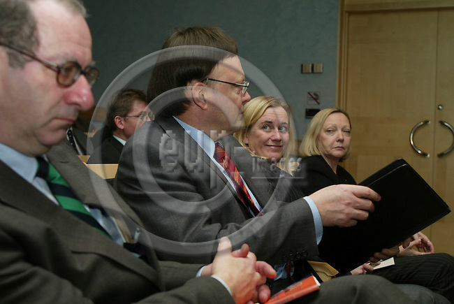 BRUSSELS - BELGIUM - 18 FEBRUARY 2004--From left Daniel TARSCHYS, Chairman for ITPS, Swedish Institute for Growth Policy Studies (Institutet f?r tillv?xtpolitiska studier), Timo SUMMA, EU Commission, Carin HOLMQUIST, Professor, and Carin LINDAHL, Stay In Place AB, at the oppening of ITPS office in Brussels..-- PHOTO: ERIK LUNTANG / EUP-IMAGES
