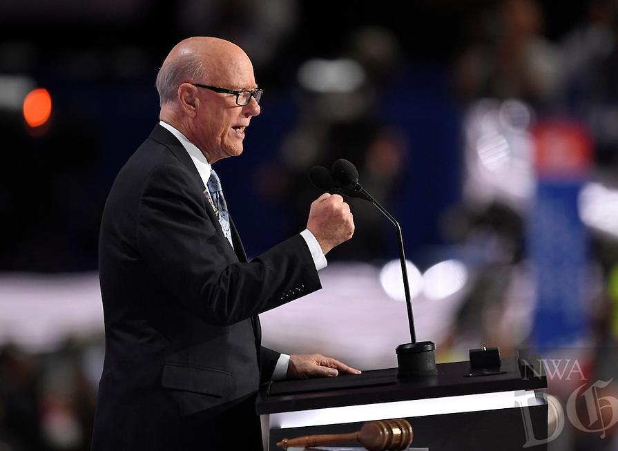 Sen. Pat Roberts, R-KS speaks during the opening day of the Republican National Convention in Cleveland, Monday, July 18, 2016. (AP Photo/Paul Sancya)