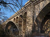 Pont Adolphe über  Vallee de la Petrusse, Luxemburg-City, Luxemburg, Europa, UNESCO-Weltkulturerbe<br /> Pont Adolphe crossing Vallee de la Petrusse, Luxembourg City, Europe, UNESCO Heritage Site