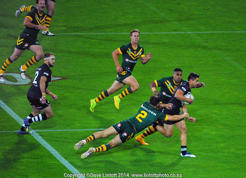 Shaun Johnson in action during the Four Nations rugby league final between the NZ Kiwis and Australia Kangaroos at Westpac Stadium, Wellington on Saturday, 15 November 2014. Photo: Dave Lintott / lintottphoto.co.nz