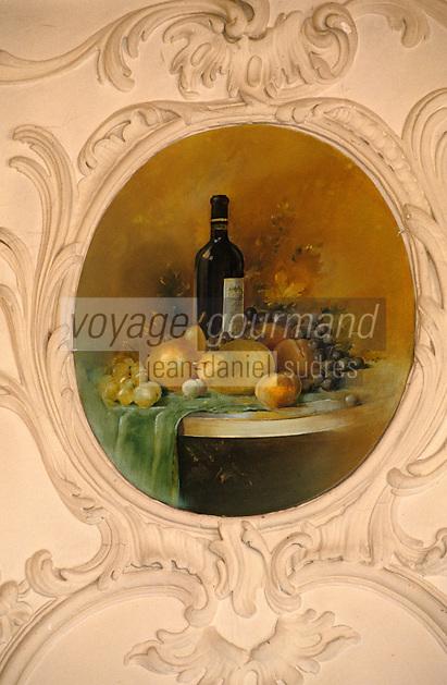 Europe/France/Midi-Pyrénées/46/Lot/Vallée du Lot/Env de Cahors/Vignoble de Cahors/Mercuès: château de Mercuès - Détail des médaillons de la salle à manger