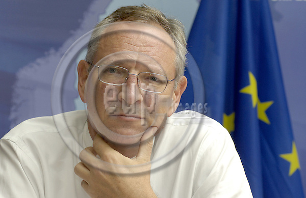 Brussels-Belgium - 18 September 2006---Nick WITNEY, Chief Executive of EDA (European Defence Agency), during a press briefing in the 'Council of Ministers'---Photo: Horst Wagner/eup-images
