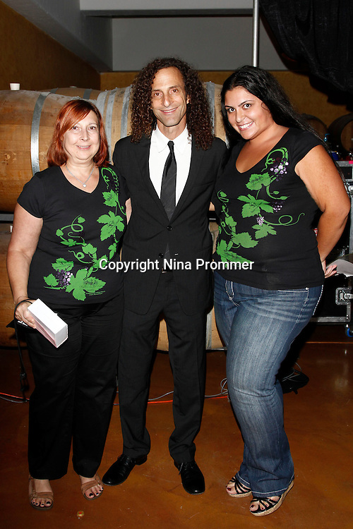 Rhythm on the vine dinner to benefit shriners children hospital october 1 2010 guests meet and greet after legendary musician kenny g performs live m4hsunfo