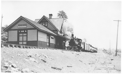 RGS #42 with short freight passing Hesperus station.<br /> RGS  Hesperus, CO  Taken by Best, Gerald M. - 6/1/1938