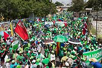 STO02. AZUA (R.DOMINICANA), 03/05/2017.- Miles de dominicanos marchan hoy, domingo 21 de mayo de 2017, en contra de la corrupción y la impunidad, en respaldo a una iniciativa convocada en medio de la investigación por el supuesto pago de 92 millones de dólares por parte de la empresa brasileña Odebrecht en sobornos, para acceder a contratos en el país, en Azua (República Dominicana). EFE/Orlando Barría