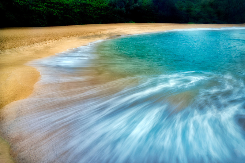 Wave pattern at Lumahai Beach. Kauai, Hawaii
