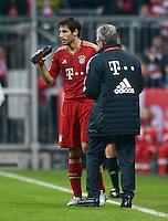 FUSSBALL   1. BUNDESLIGA  SAISON 2012/2013   13. Spieltag FC Bayern Muenchen - Hannover 96     24.11.2012 Javi , Javier Martinez und Trainer Jupp Heynckes (FC Bayern Muenchen)