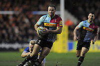 Jamie Roberts of Harlequins escapes the clutches of Jackson Wray of Saracens during the Premiership Rugby match between Harlequins and Saracens - 09/01/2016 - Twickenham Stoop, London<br /> Mandatory Credit: Rob Munro/Stewart Communications