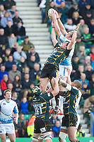 Tom Wood of Northampton Saints (left) attempts to disrupt the lineout ball of Al Kellock of Glasgow Warriors during the Heineken Cup match between Northampton Saints and Glasgow Warriors  at Franklin's Gardens on Sunday 14th October 2012 (Photo by Rob Munro)
