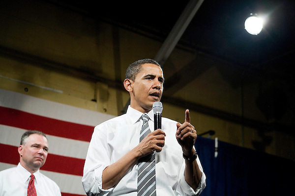 "Tuesday, May 8,  2007. Richmond, VA.. US Presidential candidate and senator Barack Obama, held what was billed as a ""low dollar fundraiser"" at Plant Zero in Richmond, VA, drawing a crowd of 700 supporters.. He was joined on stage by Virginia Governor Tim Kaine."