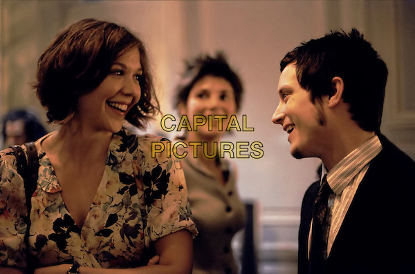 MAGGIE GYLLENHAAL & ELIJAH WOOD.in Paris, je t'aime.**Editorial Use Only**.CAP/FB.Supplied by Capital Pictures