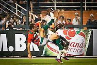 SÃO PAULO,SP,08 JUNHO 2103 - CAMPEONATO BRASILEIRO - CORINTHIANS x PORTUGUESA - Correa  jogador da Portuguesa durante partida Corinthians x Portuguesa em jogo válido  pela 05º rodada do Campeonato Brasieliro no Estádio Paulo Machado de Carvalho (Pacaembú) na tarde sabado (08). FOTO ALE VIANNA - BRAZIL PHOTO PRESS.