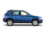 Passenger side profile view of a 2009 Volkswagen Tiguan SEL.