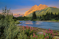 Kananaskis River and the Canadian Rockies<br /> Kananaskis Country<br /> Alberta<br /> Canada