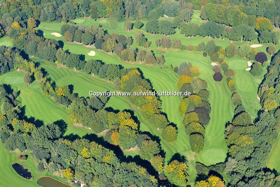 Golfplatz des Wentorf-Reinbeker Golf-Club: EUROPA, DEUTSCHLAND, SCHLESWIG- HOLSTEIN, REINBEK, WENTORF (GERMANY), 03.10.2015: Golfplatz des Wentorf-Reinbeker Golf-Club.