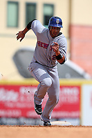 March 20, 2010:  Outfielder Fernando Martinez (26) of the New York Mets during a Spring Training game at Roger Dean Stadium in Jupiter, FL.  Photo By Mike Janes/Four Seam Images