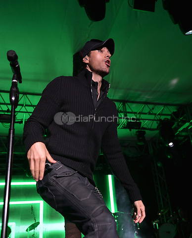 MIAMI, FL - NOVEMBER 10:  Enrique Iglesias performs at the Buoniconti Fund to Cure Paralysis' Destination Fashion 2012 at Bal Harbour Shops on November 10, 2012 in Miami, Florida.  © MPI10/MediaPunch Inc