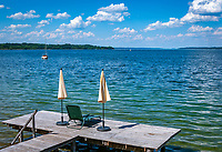 Deutschland, Oberbayern, Starnberger See, Seeshaupt: privater Badesteg | Germany, Upper Bavaria, Lake Starnberg, Seeshaupt: private bathing jetty
