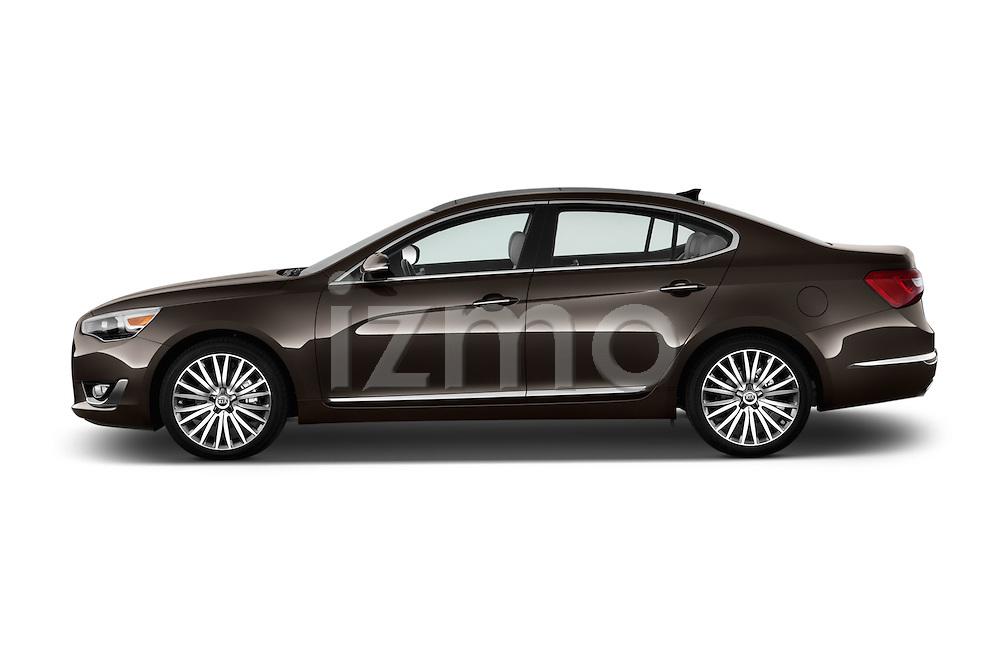 Driver side profile view of a 2014 KIA Cadenza Sedan