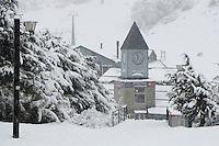 BARILOCHE, ARGENTINA, 08.09.2011 – TURISMO-BARILOCHE – Vista da cidade de Bariloche, região de esportes de neve ao sul da Argentina. (Foto: Ricardo Botelho/Brazil Photo Press)