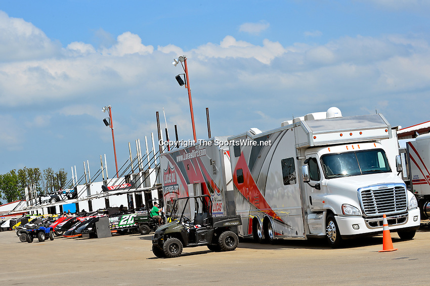 May 22, 2014; 3:50:13 PM; Wheatland, Mo., USA; The  Lucas Oil Late Model Dirt Series running the 22nd Annual Lucas Oil Show-Me 100 Presented by ProtectTheHarvest.com.  Mandatory Credit: (thesportswire.net)