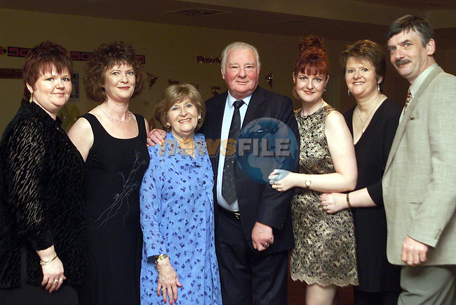 Fred and Maureen O'Connor who celebrated thier 50th wedding anniversary in the Neptune Beach Hotel with thier daughters Marina, Val, Donna, Sandra and son Ray..Picture Paul Mohan Newsfile