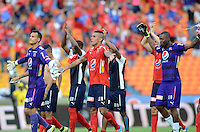 MEDELLÍN -COLOMBIA-05-06-2016. Jugadores del Medellín celebran el paso de su equipo a las semifinales después del encuentro de vuelta entre Independiente Medellín y Deportivo Cali por los cuadrangulares finales de la Liga Águila I 2016 jugado en el estadio Atanasio Girardot de la ciudad de Medellín./ Players of Medellin celebrate the classification of their team to the semifinals after the second leg match between Independiente Medellin and Deportivo Cali for the finals quadrangular of the Aguila League I 2016 at Atanasio Girardot stadium in Medellin city. Photo: VizzorImage/ León Monsalve /Str