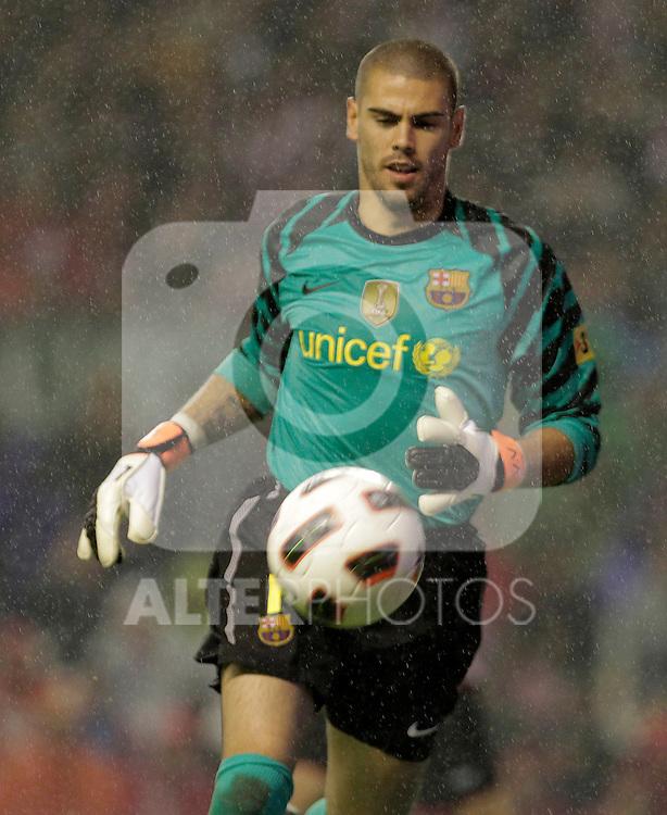 FC Barcelona's Victor Valdes during La Liga match.September 25,2010. (ALTERPHOTOS/Acero)