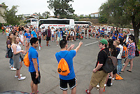 Incoming first-years prepare to leave for Oxy Engage on Aug. 19, 2014, (Photo by Marc Campos, Occidental College Photographer)