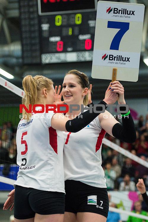 21.02.2015, Halle Berg Fidel, Muenster<br /> Volleyball, Bundesliga Frauen, USC M&uuml;Ÿnster / Muenster vs. Rote Raben Vilsbiburg<br /> <br /> Wechsel / Einwechslung / Auswechslung Quirine Oosterveld (#5 Vilsbiburg), Kyla Elizabeth Richey (#7 Vilsbiburg)<br /> <br />   Foto &copy; nordphoto / Kurth