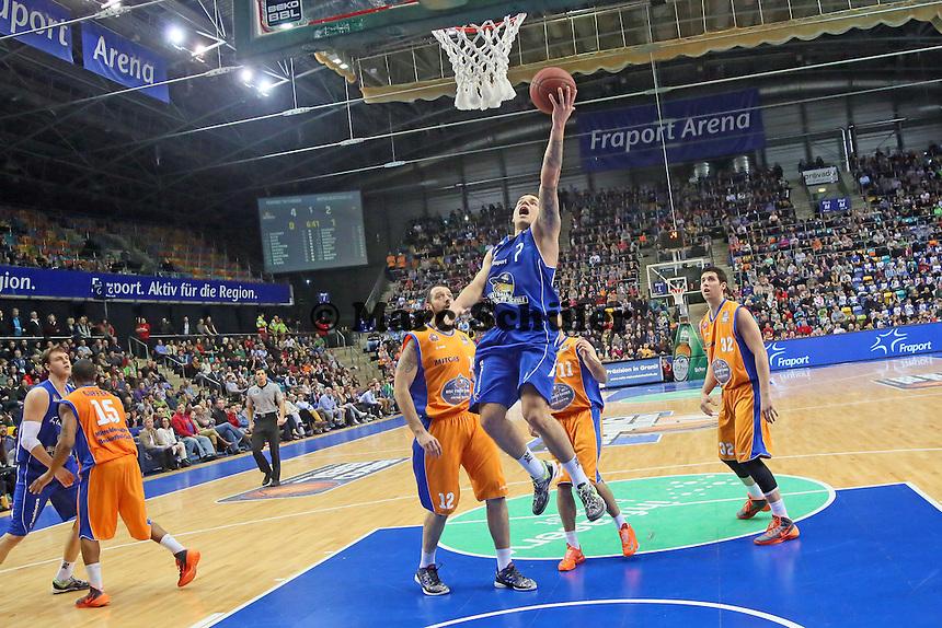 Konstantin Klein (Skyliners) setzt sich durch - Fraport Skyliners vs. Mitteldeutscher BC, Fraport Arena Frankfurt