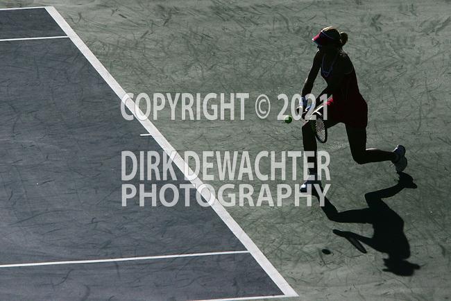 Carson,CA 08/11/06 - The setting Californian sun provided some shadow play with Elena Dementieva during her quarterfinal match against Bethanie Mattek.  Photo Dirk Dewachter / Cal Sport Media