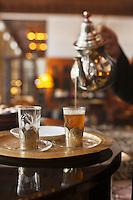 Afrique/Afrique du Nord/Maroc/Essaouira: L'heure Bleue, Palais, Relais et Château - Service du thé au bar