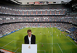 New Real Madrid's German midifielder Toni Kroos poses during his presentation at the Santiago Bernabeu stadium in Madrid July 17, 2014. PHOTOCALL3000/DP
