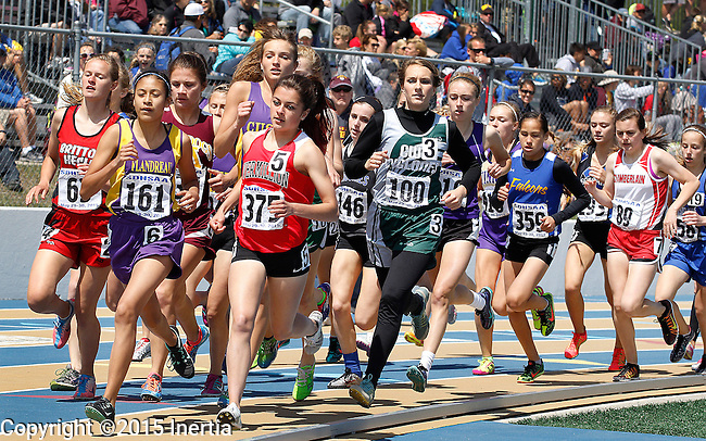 RAPID CITY, SD - MAY 30: Runners spread out in the girls class A 1600 meter run during the 2015 SDHSAA State Track & Field Meet Saturday at O'Harra Stadium in Rapid City, S.D. (Photo by Dick Carlson/Inertia)