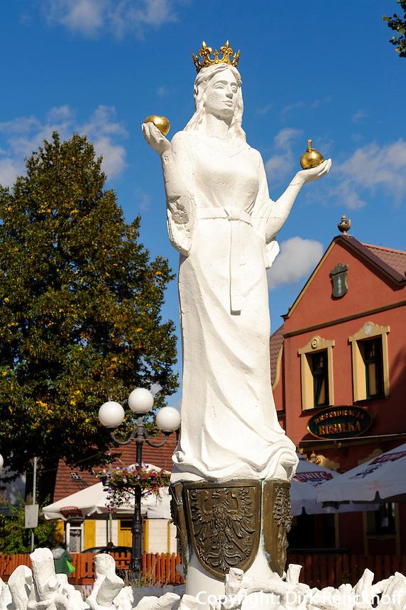Brunnen auf Marktplatz in Lubniewice (königswalde), Woiwodschaft Lebus, Polen
