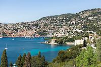 France, Provence-Alpes-Côte d'Azur, Villefranche-sur-Mer: view across bay Villefranche-sur-Mer | Frankreich, Provence-Alpes-Côte d'Azur, Villefranche-sur-Mer: Ausblick ueber die Bucht von Villefranche-sur-Mer