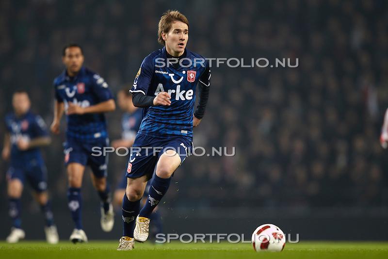 Nederland, Eindhoven, 30 oktober 2010 .Eredivisie .Seizoen 2010-2011 .PSV-FC Twente (0-1).Thilo Leugers van FC Twente in actie met bal.