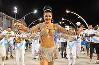 ATENÇÃO EDITOR FOTO EMBARGADA PARA VEÍCULOS INTERNACIONAIS - SÃO PAULO, SP, 02 DE FEVEREIRO DE 2013 - ENSAIO TÉCNICO NENÊ DE VILA MATILDE - Rainha da bateria Deborah Caetano durante ensaio técnico da Escola de Samba Nenê de Vila Matilde na preparação para o Carnaval 2013. O ensaio foi realizado na noite deste sábado (02) no Sambódromo do Anhembi, zona norte da cidade. FOTO LEVI BIANCO - BRAZIL PHOTO PRESS