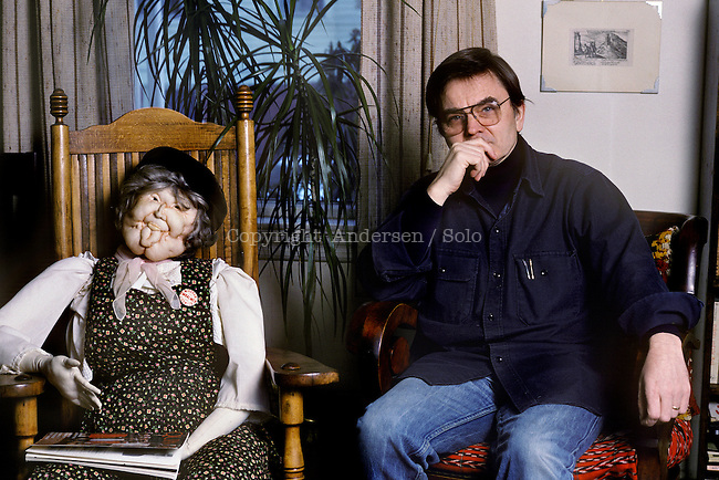 Robert Coover at home in 1988.