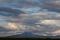 Vulkan Hekla, Vulkankegel, 1491 m hoher Vulkan im Süden von Island, mit Regenbogen, Hecla, volcano, rainbow, Iceland