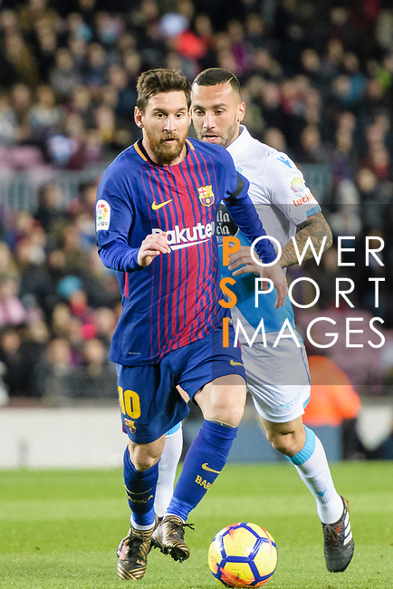 Lionel Messi of FC Barcelona (L) in action during the La Liga 2017-18 match between FC Barcelona and Deportivo La Coruna at Camp Nou Stadium on 17 December 2017 in Barcelona, Spain. Photo by Vicens Gimenez / Power Sport Images